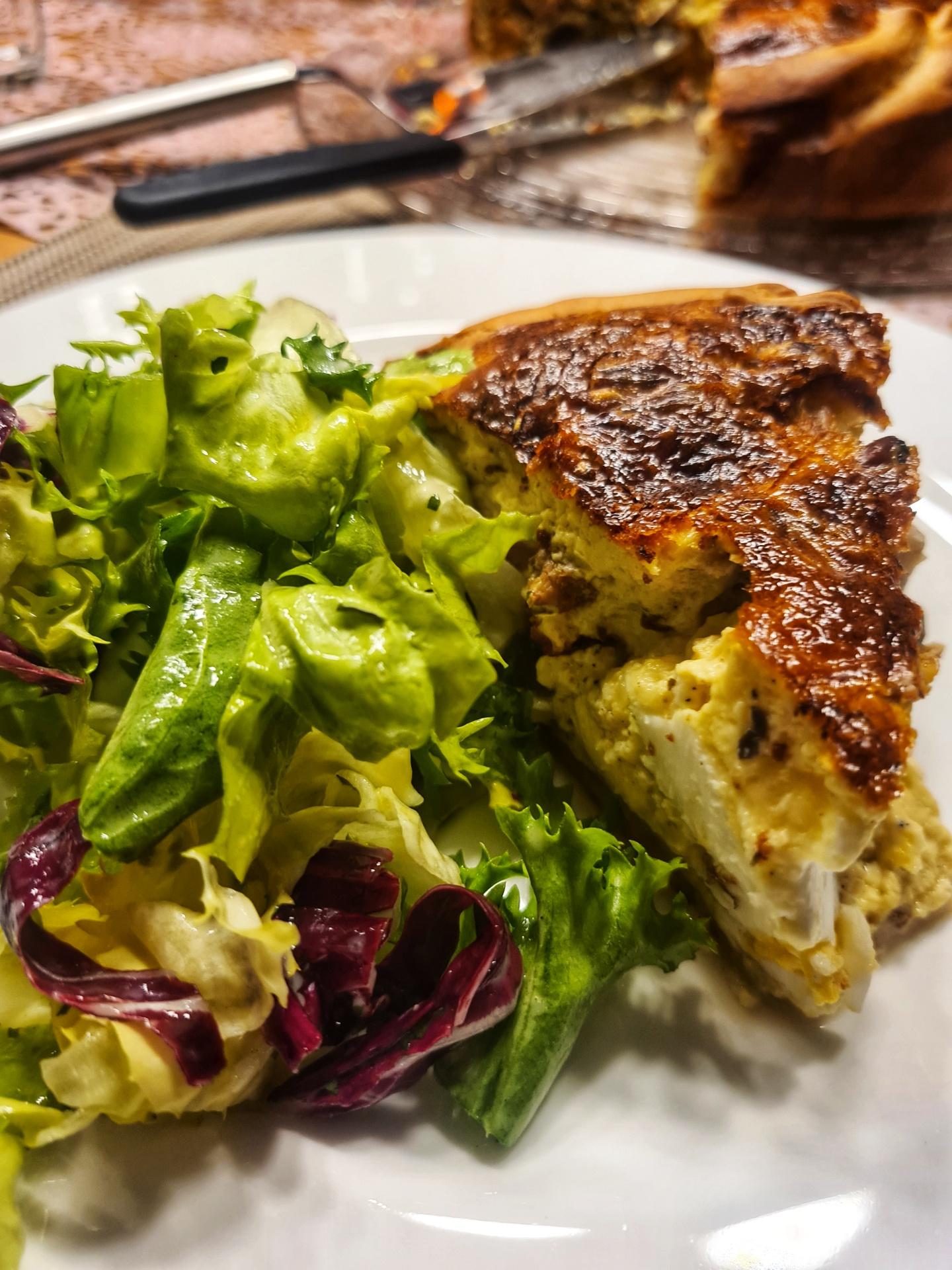 Pilz Quiche mit Salat
